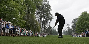 Mickelson seeks Masters success with aggressive play