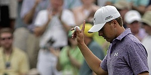 Spieth mirrors Floyd with Masters demeanor, dominance