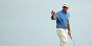 Tom Lehman charges into Senior PGA Championship lead