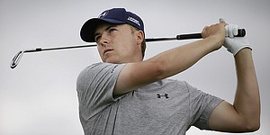 Strong finish puts Spieth in contention at AT&T Byron Nelson