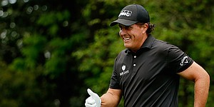 Phil Mickelson leaves $99 tip at lemonade stand