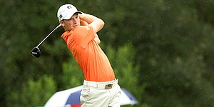 Campbell aims for blockbuster feat after 67 at U.S. Open