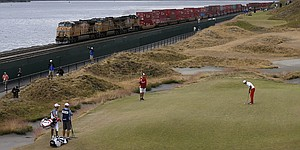 Multicolored Chambers Bay greens remain fair at U.S. Open