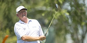 Major-worthy conditions test golfers at U.S. Senior Open
