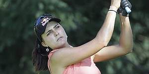 Lexi Thompson shoots 64 despite injuring wrist at photo shoot