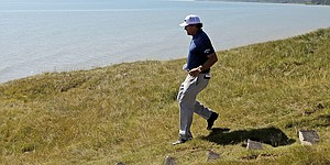 As the kid in Mickelson emerges, fun breaks loose at Whistling Straits