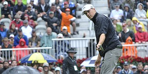 "Jordan Spieth leads Tour Championship, looks to finish ""dream season"" strong"
