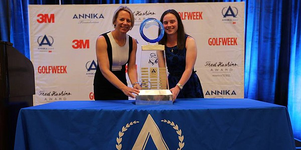 Duke's Leona Maguire accepts the ANNIKA Award Presented by 3M