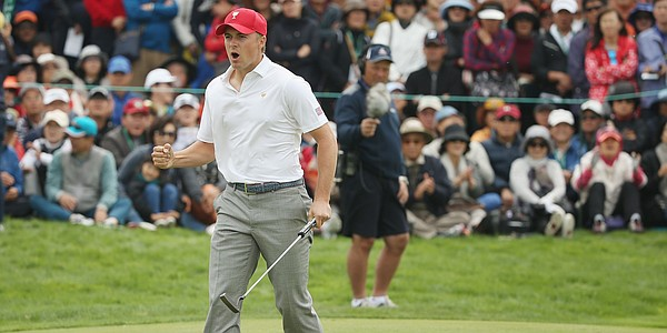 Spieth's clutch putting keeps Americans in lead at Presidents Cup