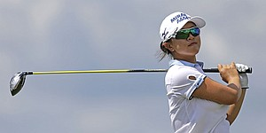 Sei Young Kim takes Blue Bay LPGA lead in Round 2