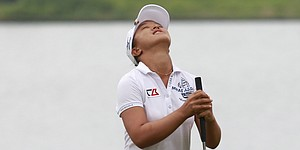 Kim wins Blue Bay LPGA with final-hole birdie