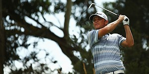 Matt Jones takes control at Australian Open; Spieth four back