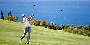 PGA Tour season resumes as Kapalua hosts strongest field in years