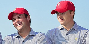 Reed, Spieth battle for lead, produce familiar story at Kapalua