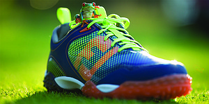 FootJoy's FreeStyle golf shoe inspired by tree frog