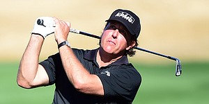 Phil Mickelson's new swing passes test at CareerBuilder Challenge