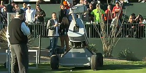 Robot sends fans into frenzy with ace on No. 16 in Phoenix