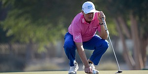 Ernie Els surges into contention at Omega Dubai Desert Classic