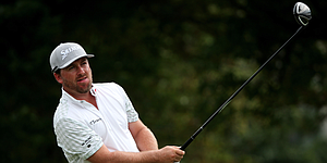 McDowell recovers from early mistake to climb into Honda Classic contention
