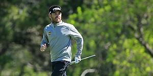 Louis Oosthuizen steamrolls local favorite Jordan Spieth, 4 and 2, in Match Play