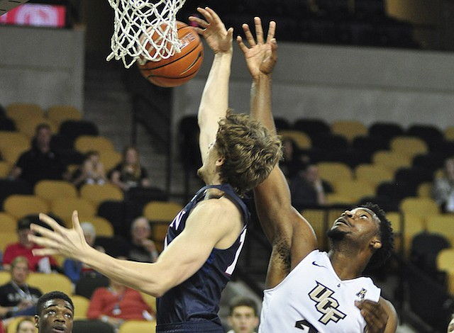 The Knights shocked No. 15 Cincinnati with a 53-49 win Sunday.
