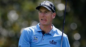 Jim Furyk took the Tour Championship lead behind a 6-under 64 on Friday.