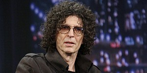 VIDEO: Howard Stern's '300-yard' drive