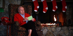 VIDEO: Arnold Palmer, Santa Claus save Christmas